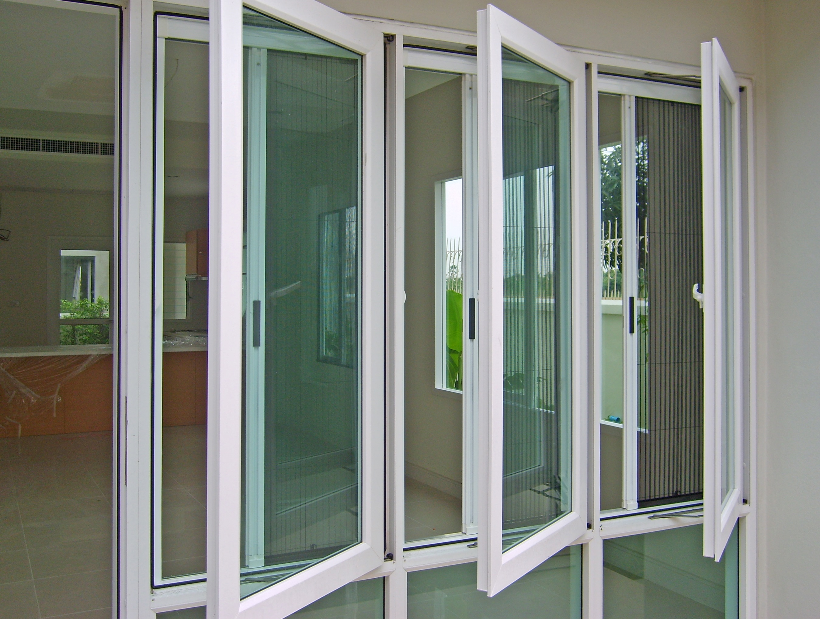 Casement windows super aluminium for Pella casement window screens